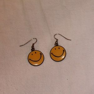 Other - Smiley Face Earrings